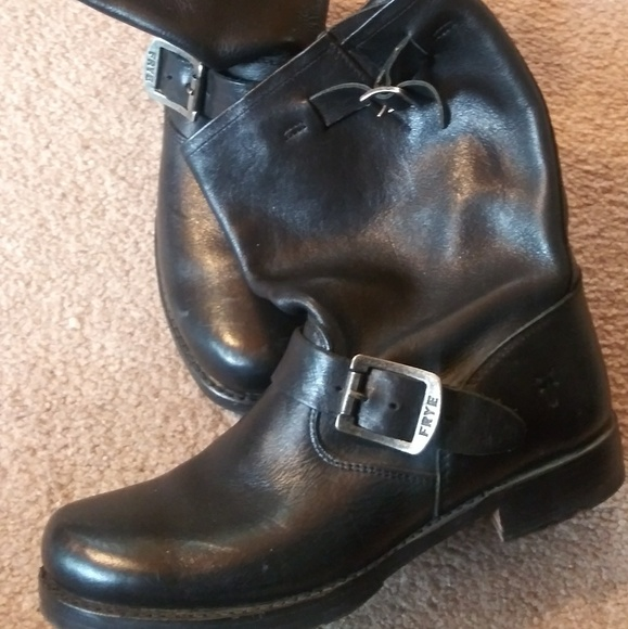 Frye Shoes - FRYE Vicky engineer ankle boots